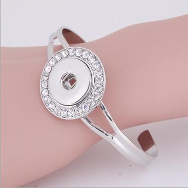10 PCS Snap Style Bijoux Noosa Snap Juifs Signifler Silver Snap Bracelet manchette avec strass coloré