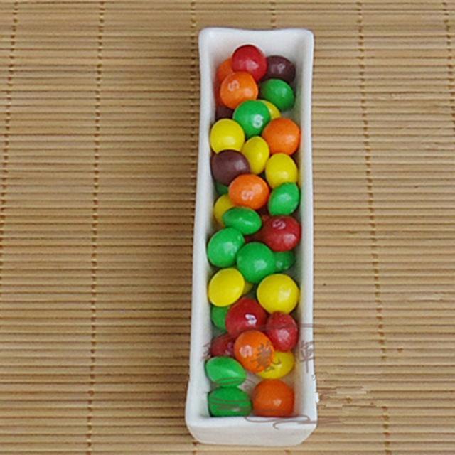Keramischer Buchstabe-Teller für Süßigkeit oder Nüsse, die Dekorations-Teller Wedding sind