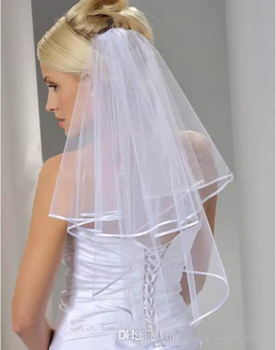Freies Verschiffen Weiß Elfenbein 2 Schichten Kurzer Brautschleier mit Kamm Hochzeitsschleier Hochzeitszubehör Bandkante