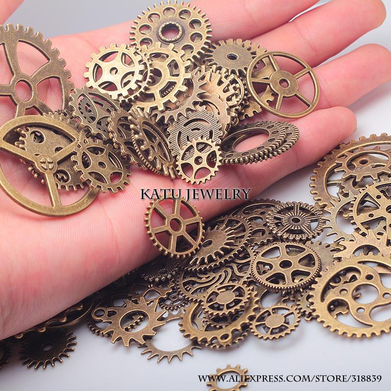 Venta al por mayor-Vintage Metal Engranajes mixtos Encantos para la fabricación de joyas DIY Steampunk Gear Charms colgantes al por mayor 100pcs / lot C8318A