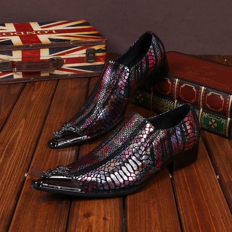 새로운 도착 럭셔리 남성 비즈니스 레저 가죽 신발 패션 디자이너 파이썬 뱀 금속 발가락 매력 신발 미끄럼 미끄럼
