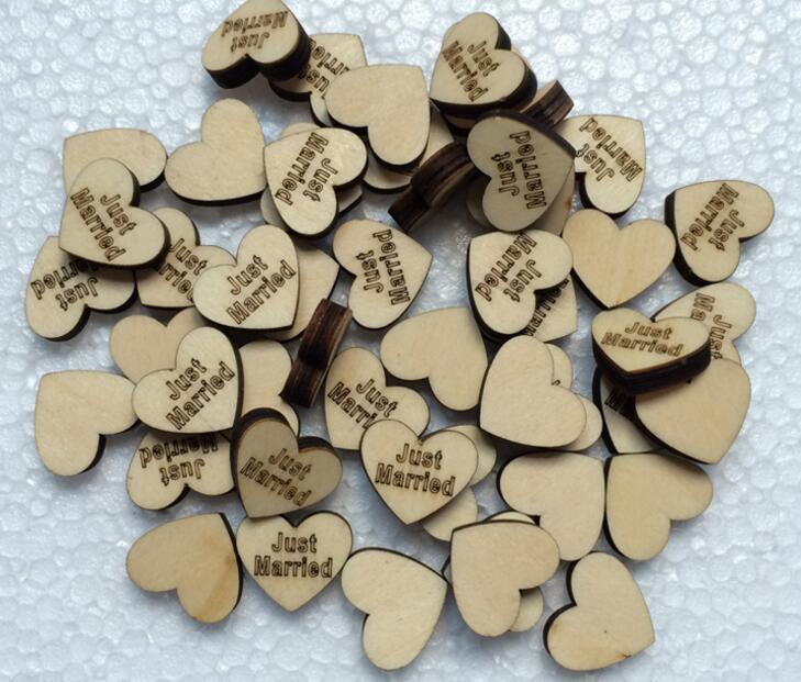 Perles de boutonnage en bois 300pcs avec une lettre marquée pour les ornements de table Décoration de mariage Props