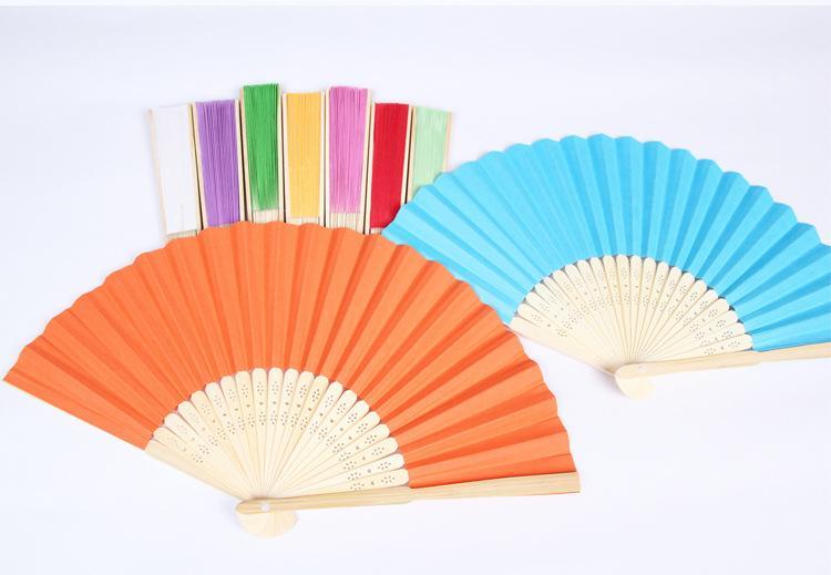 Vente en gros de fans de mariage de papier personnalisé peinture fan de pliage vide