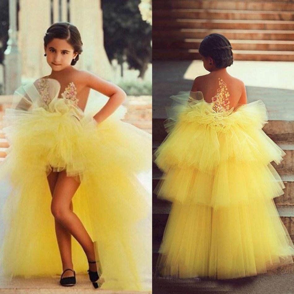 Vestido De Baile Amarelo Da Menina De Flor Vestidos Ilusão Decote Sem Encosto Com Feitas À Mão Floral Applqiues Alto Baixo Crianças Pageant Vestidos
