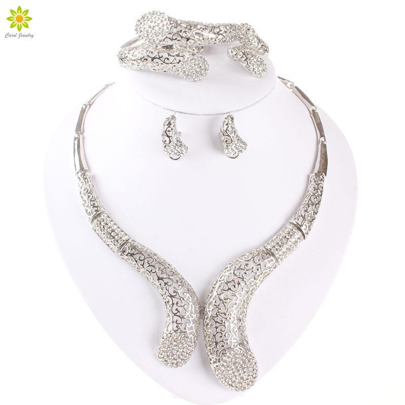 Accessori perline africane Cristallo placcato argento Scava Fuori Big Choker Collana Orecchini Anello Bracciale Set di gioielli da donna