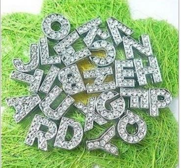26 inglese A ~ Z bianco lettere di strass per collari di cane in pelle PU collari di diamanti collari di cane fai da te mix ordine spedizione gratuita