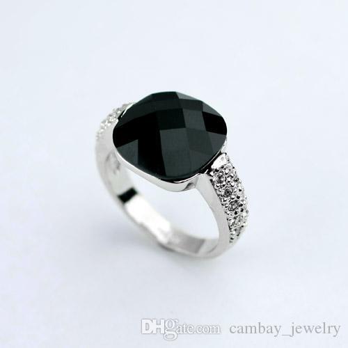 Heißer Verkauf Korean Fashion Black Multi-Faces Cut Acryl Ring Rose Gold Platin überzogene kleine Kristalle eingefügt