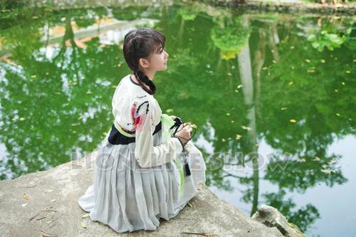 도매 - 중국 당나라 Ruqun Hanfu 여성 로리타 긴 소매 시폰 드레스 2pcs 2 모델 착용
