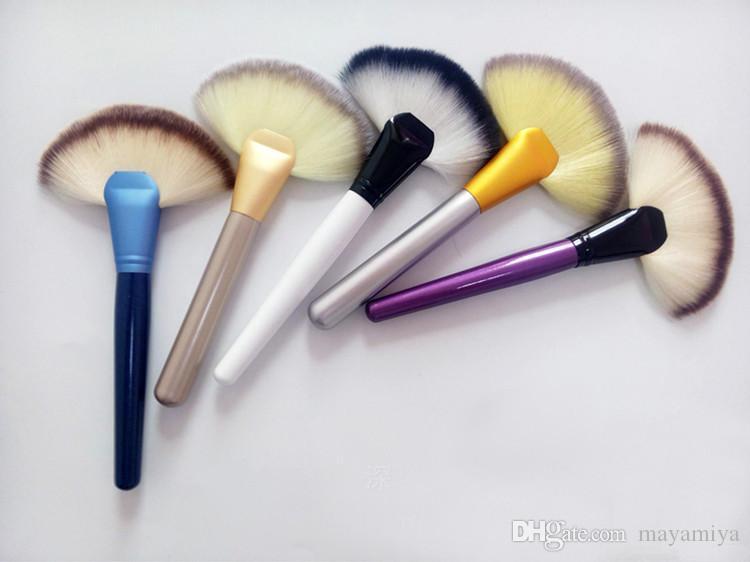 Fan en forme de blush brosse de maquillage professionnel cosmétique kit poignée en bois poudre base de maquillage outil livraison gratuite