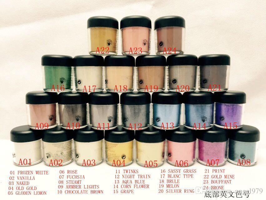 Spedizione gratuita NUOVO 7.5G Pigment Eyeshadow / Mineralizza l'ombretto con i colori Italiano Nome 24 colori (12pcs / lot) (colore di invio casuale)