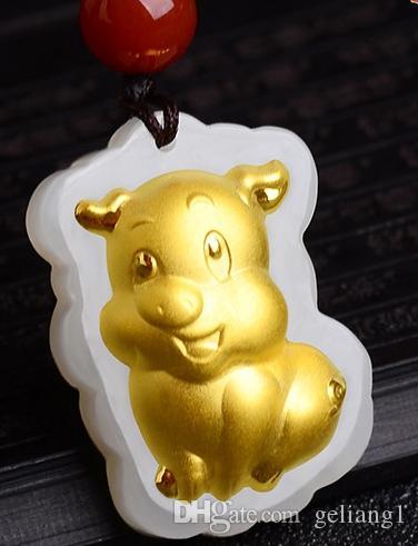 Ouro embutido jade amuleto constelação colar e pingente (porco dos desenhos animados)