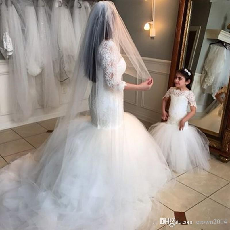 2020 Princess Flower Girl Dresses Short Sleeves Mermaid Lace Applique Tulle Zipper Button Back Christening Baby Dress Cheap Communion Gowns