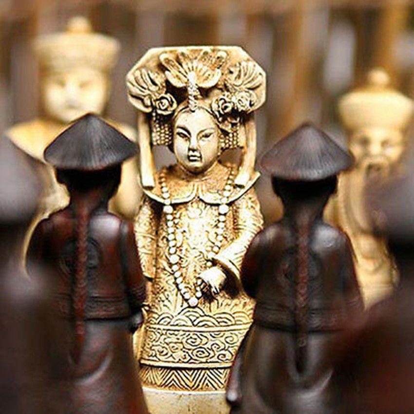 Scatola di legno cinese in pelle con 32 pezzi Set di scacchi Spedizione gratuita