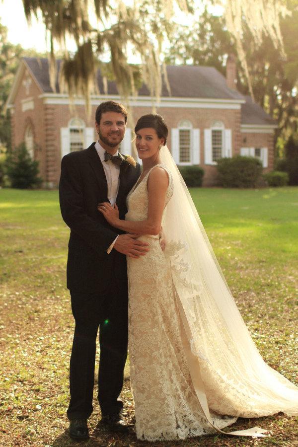 Full Lace Sexig Tillbaka Bröllopsklänningar Sexig V Neck En Linje Robe de Meage Peats Back Hollow Eleganta Bridal Gowns 2016