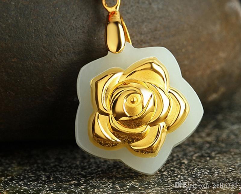 Altın kakma yeşim (gül çiçek açan çiçekler). Tılsım kolye kolye
