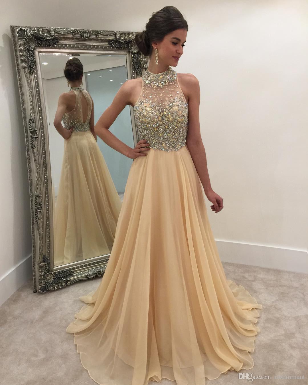Plus récent cristal en mousseline de soie perles illusion licol retour longue champagne robes de bal en organza style sexy