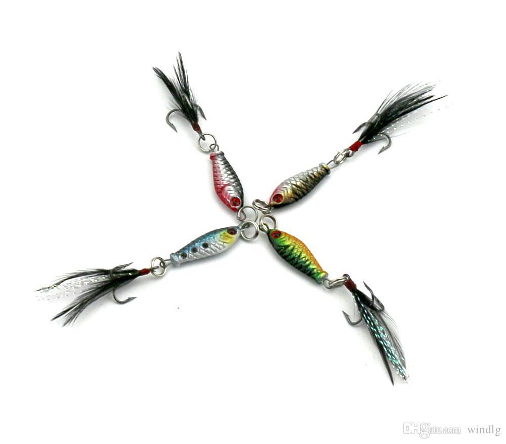Hengjia 50pcs / lot Piombo esca 6g 8cm colorati esche da pesca crappies attrezzatura da pesca metallo Bait piuma gancio 6.4g 4 colori