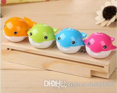 Nuovo cartoleria carino balene di plastica a matita affilatori colore casuale a colori 2 fori ufficio forniture per ufficio accessori da scrivania cancelleria coreana