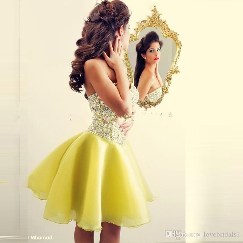 2019 Tanie żółte kryształowe bez rękawów krótkie sukienki koktajlowe kochanie koralików sexy koktajle impreza sukienka gorąca sprzedaż
