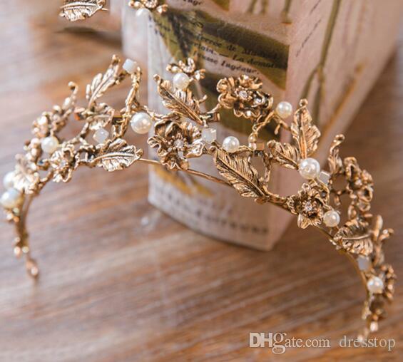 Vintage Złoto Barokowe korony na Party Perły Ślubna Korona Tiaras Z Wzór Rośliny Tanie Bridal Headpiece Kwiat Korony Opaska
