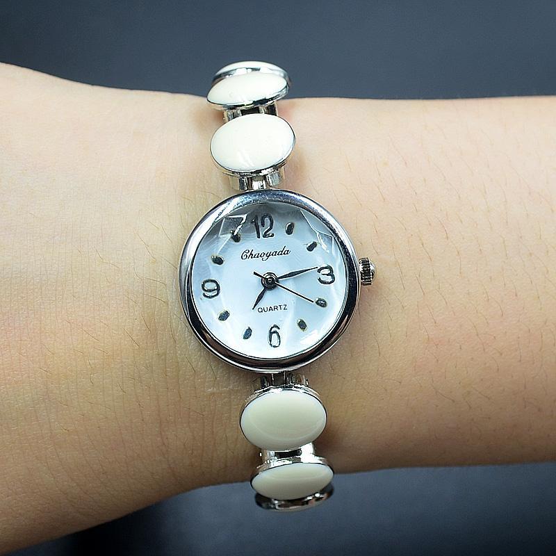 Moda Chaoyada elegante mulheres menina Dot estilo pulseira de aço de metal pulseira relógio de pulso 909