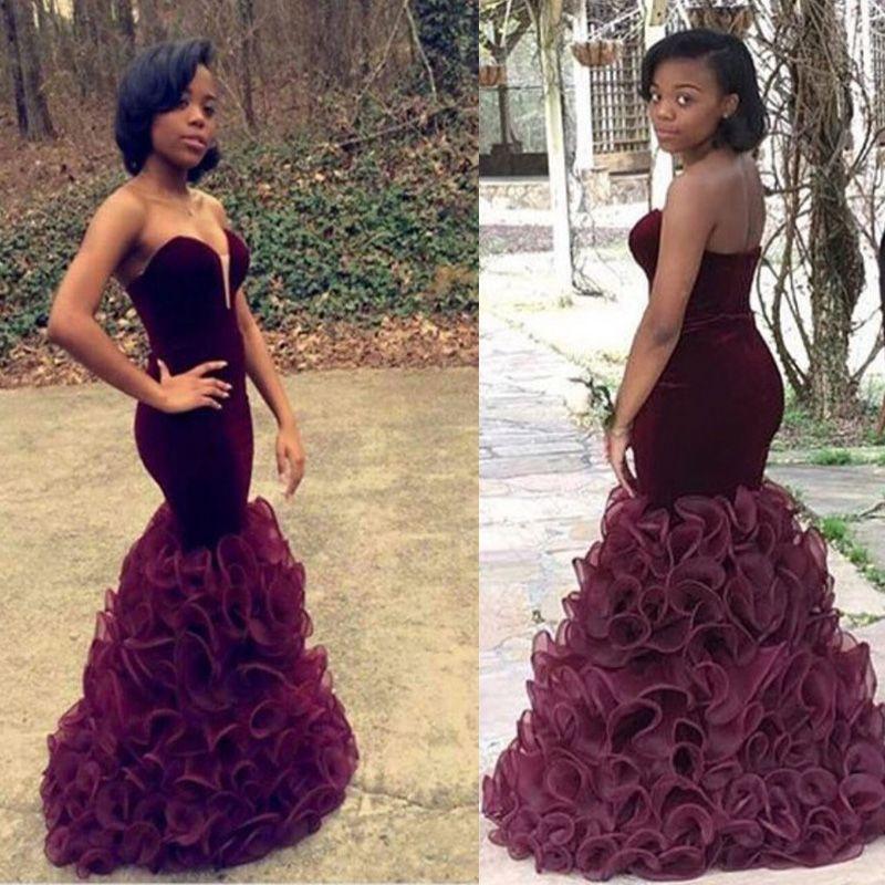 2016ブルゴーニュマーメイドウエディングドレス新しいアフリカのベルベットのイブニングガウンセクシーな恋人の背中のないシースフリルティアードオルガンジェネレティドレス
