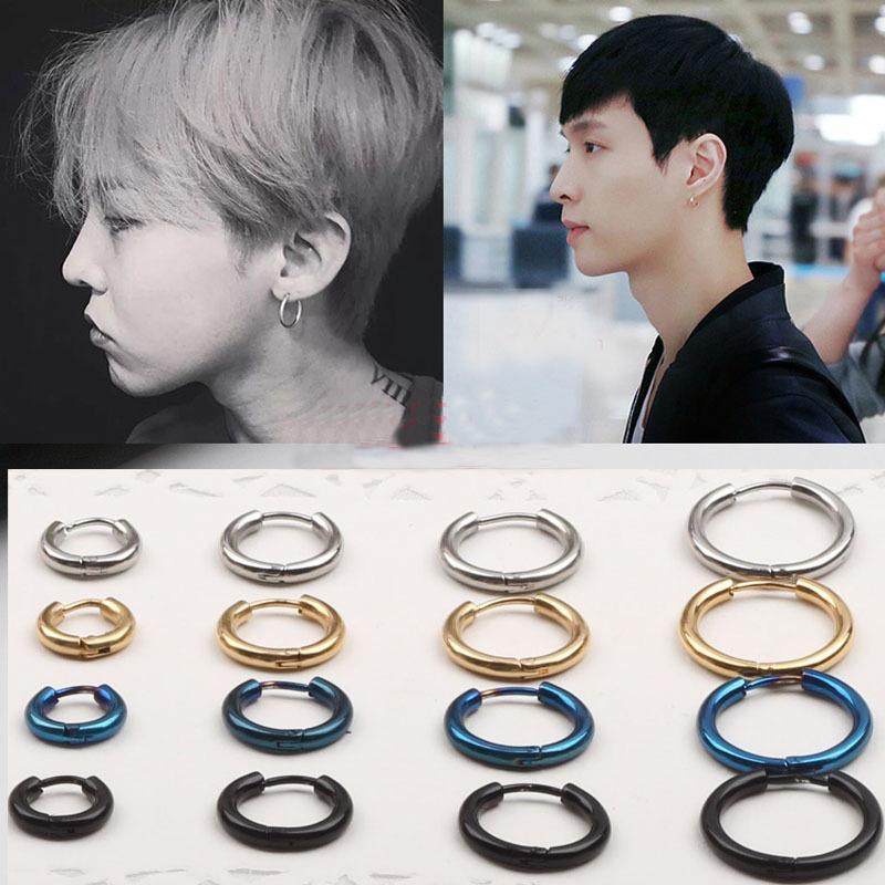 Boucles d'oreilles à la mode en gros titane acier demi-cercle vis cristal amour classique boucles d'oreilles brillantes pour les femmes bijoux piercing