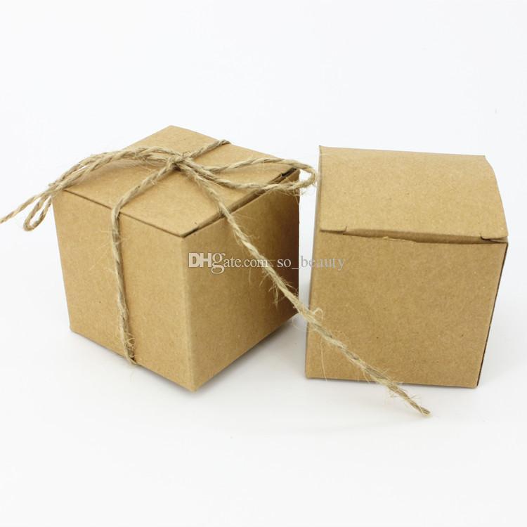 100pcs Retro Kraft Caramy Boxes Filettatura Fedifica Favovrs Anniversario di Natale Party Regalo scatola di carta Spedizione gratuita