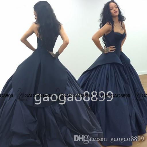 2019 Robyn Rihanna Style Celebrity Dresses Dark Navy Blue Dubai Arabic Sweetheart Backless Ball Gown Prom Evening Dresses Zac Posen