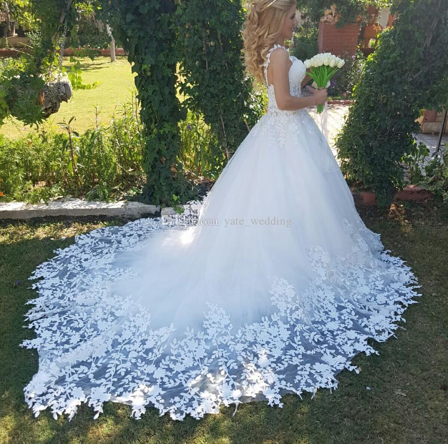 Romantic Fall Style Ball Gown Wedding Dresses Sweetheart Spaghetti Straps Leaves Appliques Lace Tulle Illusion Bodice Backless Wedding Gowns