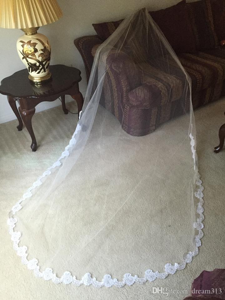 Lovey Hot Quality Романтическое собора Кружева Аппликация вуаль с расческами Свадебные головки для свадебных платьев