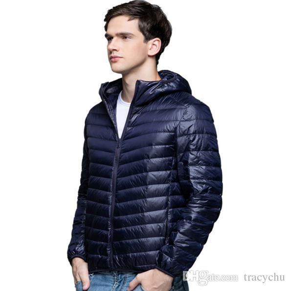 Erkekler Ördek aşağı Ceket ile Hoodies 90% Aşağı Contentultra Ultra Hafif Kış Uzun Kollu Katı Kış Coat Taşınabilir Dış Giyim Bahar