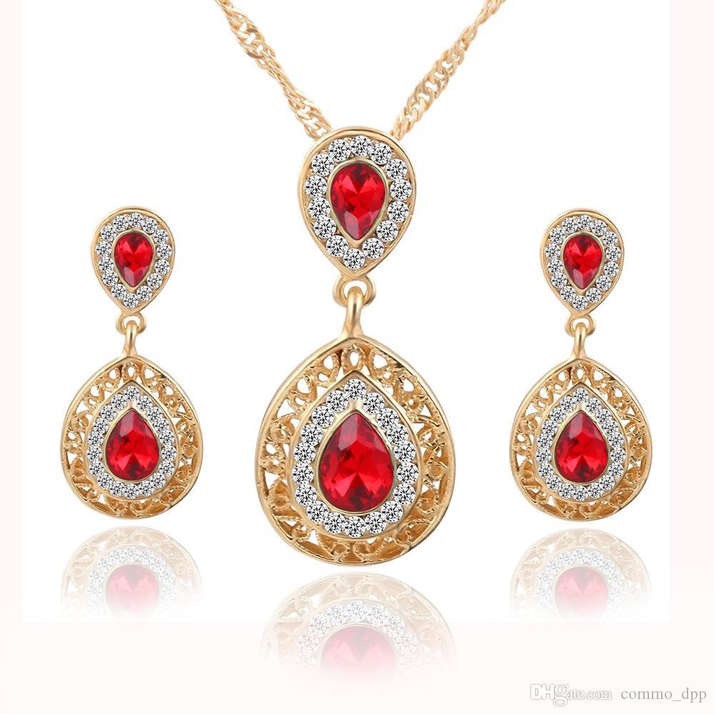 Moda Bridal Bridal Capelli Accessori per le donne Stud Orecchini Collana Set di orecchini di cristallo Goccia Goccia gioielli pendente