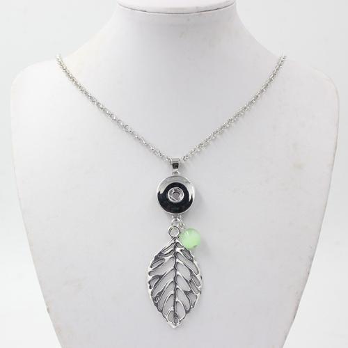 Vente en gros DIY 18mm Snap Bijoux Métal Chaîne avec collier de pendentif à boutons de feuilles de 18mm pour DIY 18mm Snap Bijoux