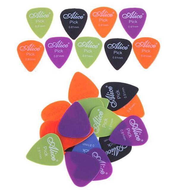 0.81mm Smooth Nylon Guitar Picks Plectrums I27 20pcs / lot