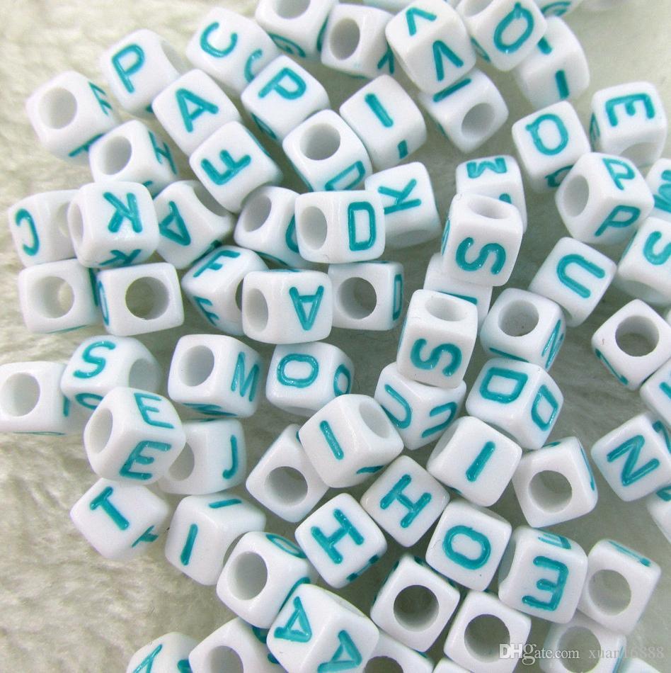 Горячей ! 250 шт. БЕЛЫЙ шарик НЕБО синий Алфавит / Буква Бусины Акриловые Cube 6x6 мм Бусины с большими отверстиями