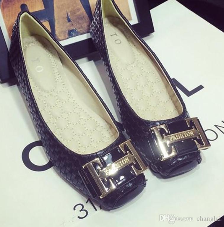 Europe et tempérament modèles tête carrée bouche peu profonde chaussures confortables chaussures plates arc en métal sauvage chaussures plates scoop