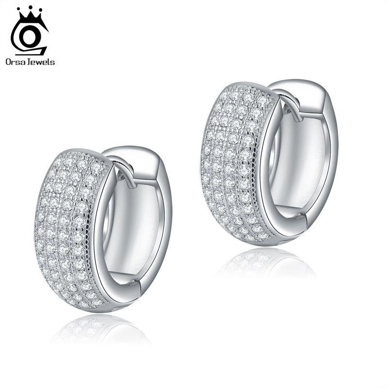 ORSA Pequeno Círculo Moda Brincos cor prata Micro Zircon cristal cheio pavimentada Brinco para senhoras OE100