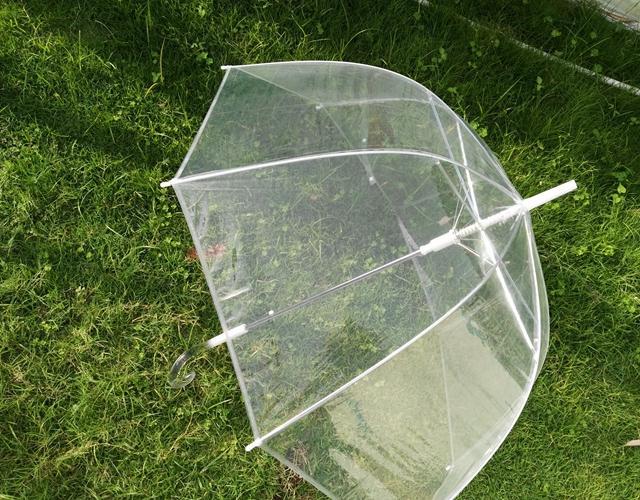 80pcs / lot liberano la cupola trasparente del parasole dell'ombrello della pioggia dell'ombrello della ragazza delle ragazze di trasporto per favore della festa nuziale