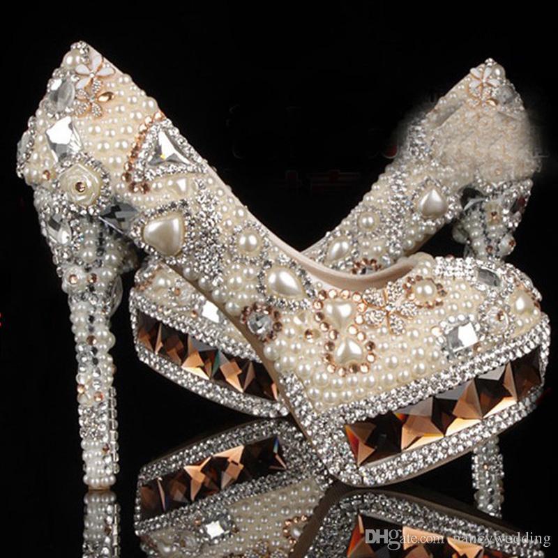 Scarpe da sposa con tacco alto in cristallo bianco avorio e perline da donna con tacco a spillo diamantato