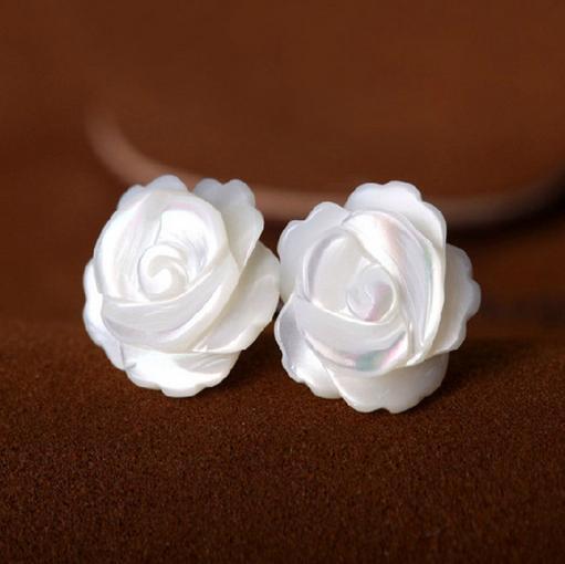 Großhandel Schöne natürliche Schale geschnitzt Silber Ohrringe Rose Form 925