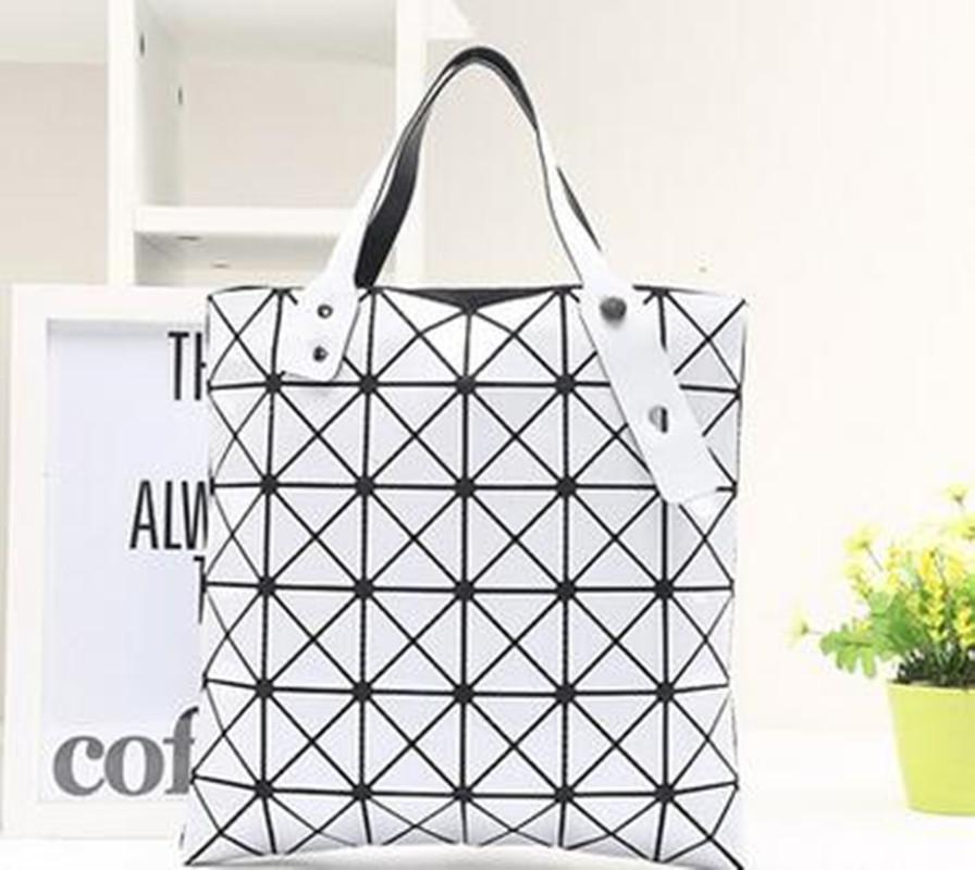 2017 new laser package folding magic doll bag geometric Ling grid pearl bag oblique cross shoulder bag
