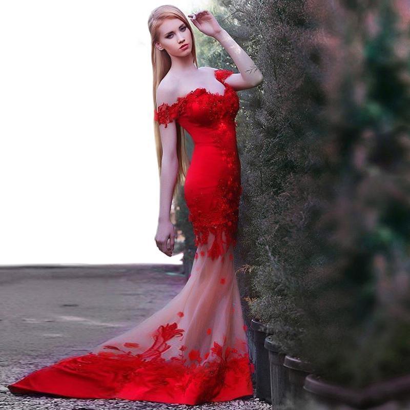 2016 robes de soirée rouge dentelle élégante appliques perles chérie cou sirène tribunal train robes robes du soir
