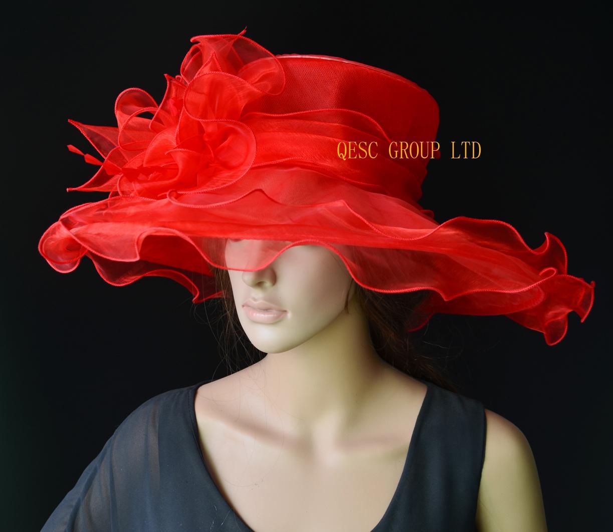 Cappello in organza a tesa larga ROSSO con orlo in grande organza e piume per Derby, matrimonio, razza. Larghezza 15,5 cm