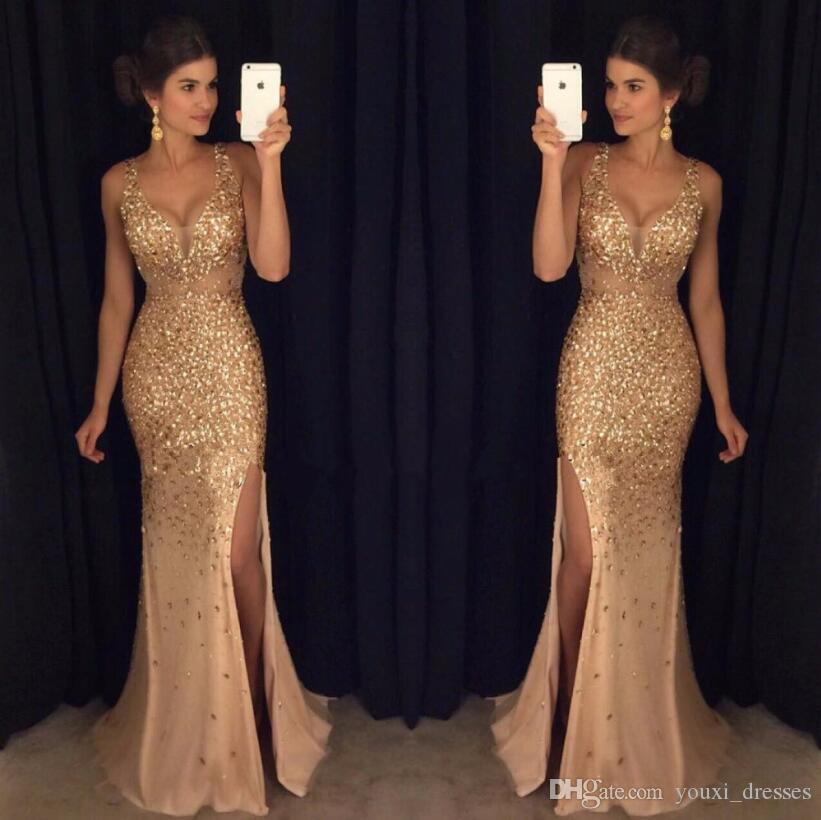 Gold Shinny Prom Kleider 2017 Sexy V-ausschnitt Kappen-hülsen Perlen Pailletten Kristall Rechte Seite Schlitz Prom Kleider Formale Party Kleider