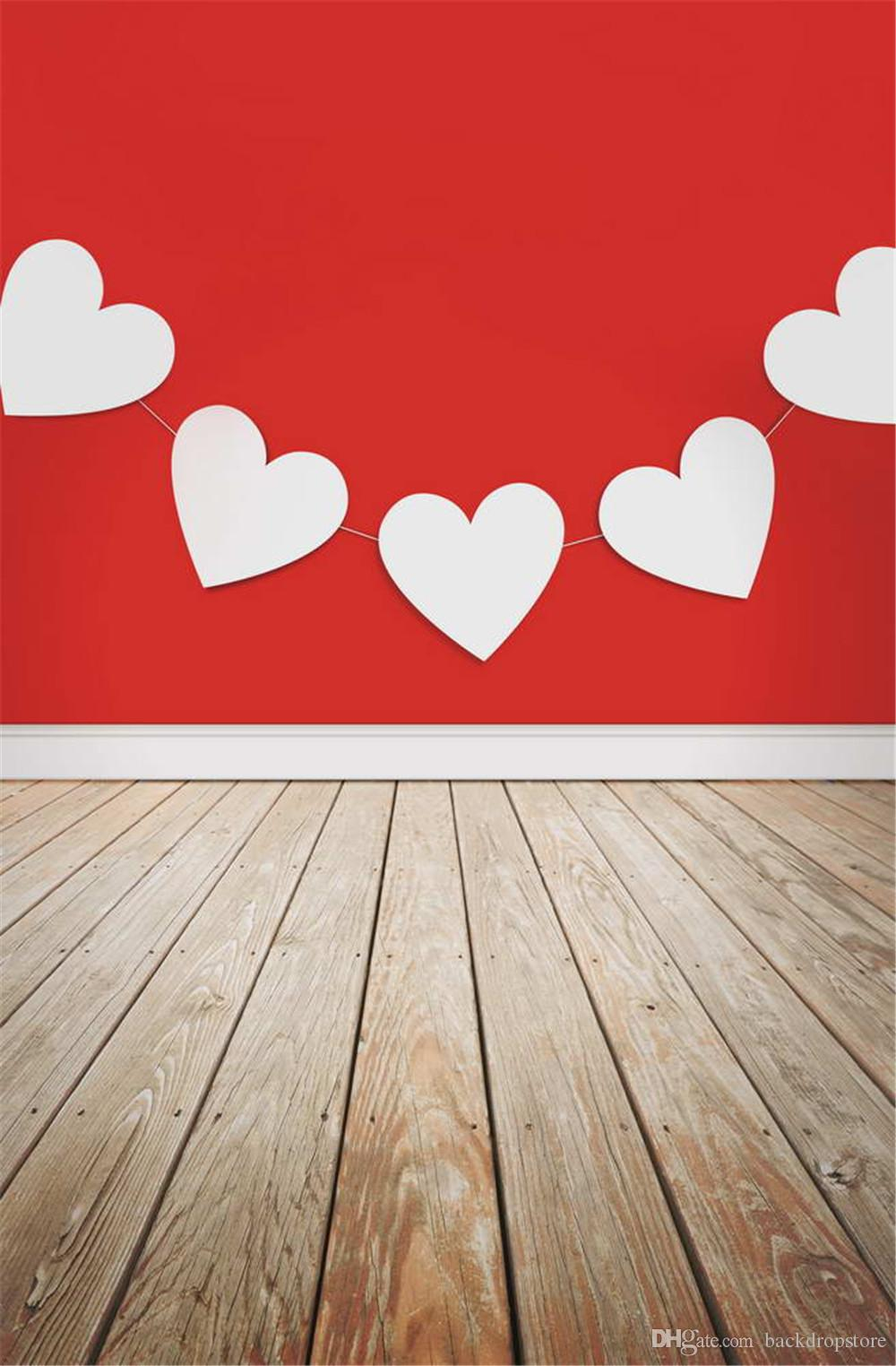 Drukowane Drukowane Biały Papier Miłość Serca Dekorory Na Czerwonej ścianie Fotografia Backdrops Walentynki Baby Photo Shoot Background Wood Floor