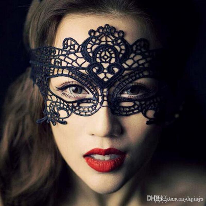 Mascarade Masques Mode Noir Blanc Sexy Dentelle Masques Vénitien Demi Masque Pour Lady Noël Halloween Cosplay Partie Masques Pour Les Yeux