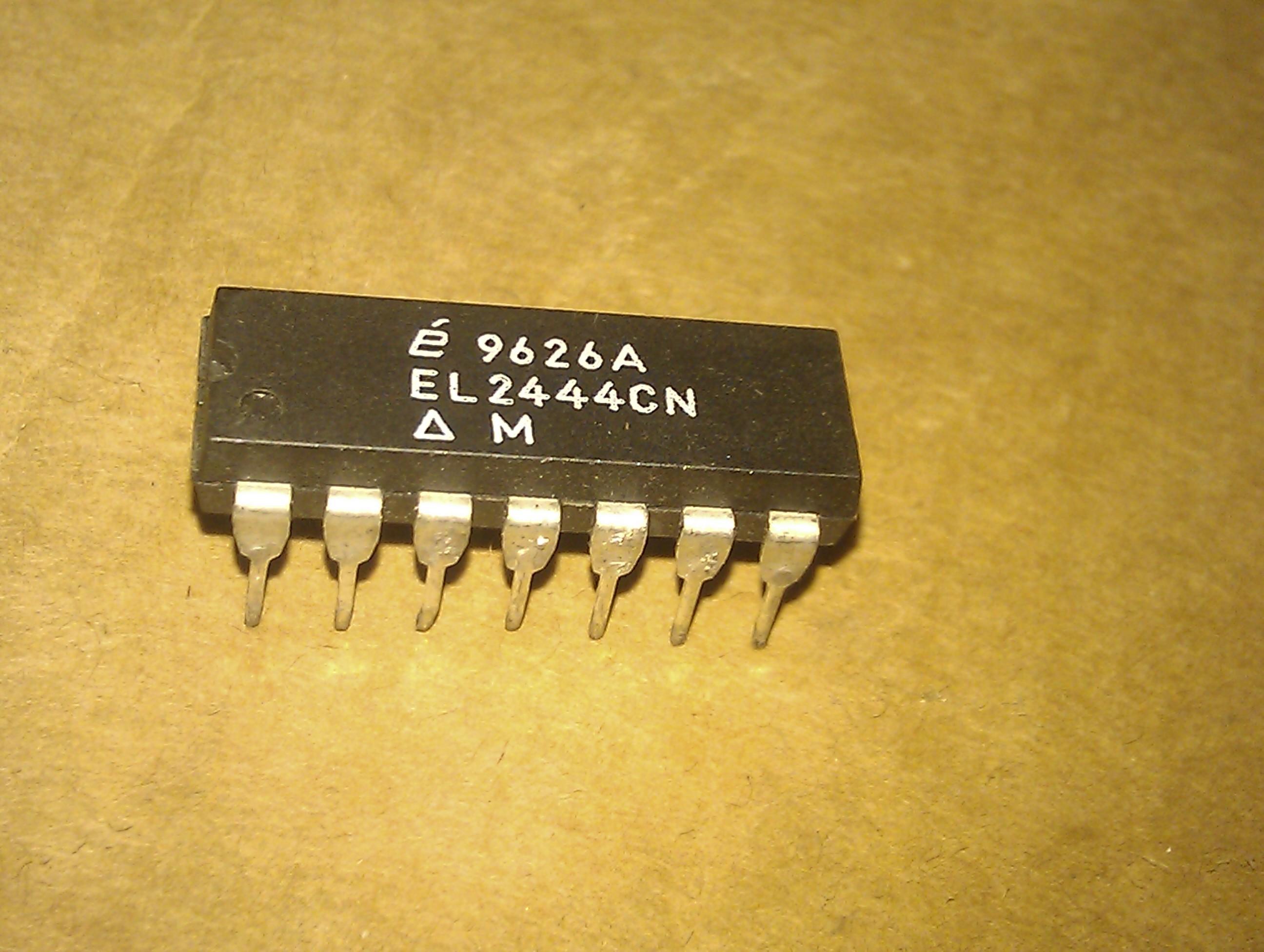 EL2444CN, EL2444. 4 CANAIS, AMPLIFICADOR DE VÍDEO, PDIP14 / pacote de plástico dip de 14 pinos em linha dupla. OP-AMP IC. Componentes eletrônicos