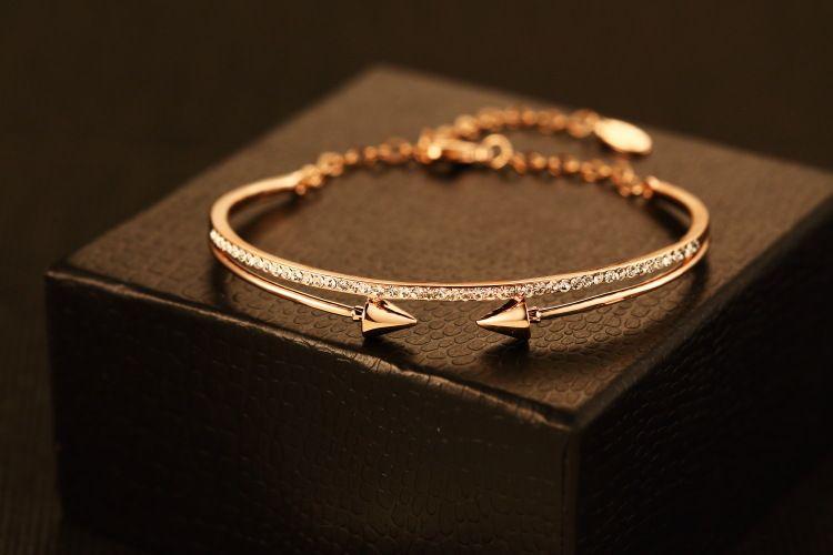 2016 Brand designer doppia freccia Bangle Bracciale in oro rosa 18 carati placcato gioielli in cristallo Bangle migliore regalo per l'amante Vendita calda