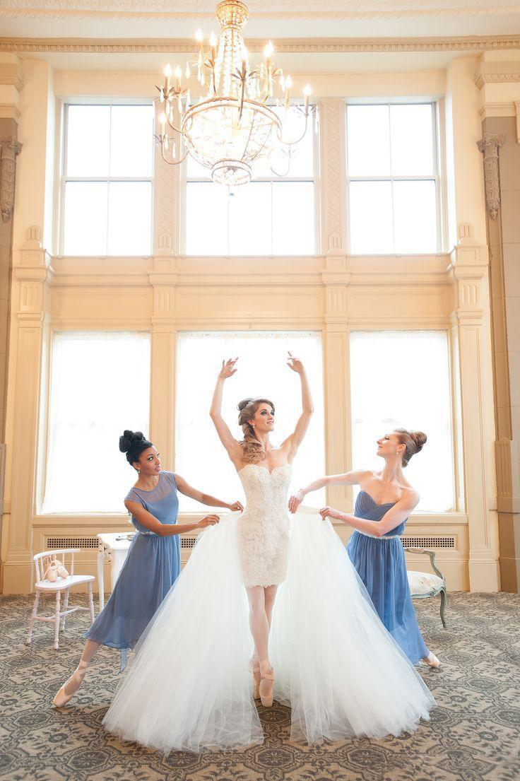 Elegant Two Piece Wedding Dresses Long Removable Tulle Skirt Sweetheart Backless Short Wedding Dress with Lace And Bow